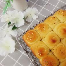红枣脆底蜂蜜小面包
