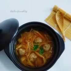 黄花菜肉丸汤