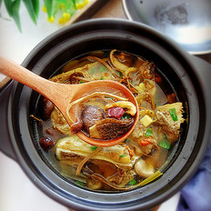 猪骨菌菇汤