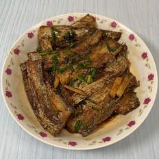 带鱼这样做,酥脆的连鱼骨头都可以吃