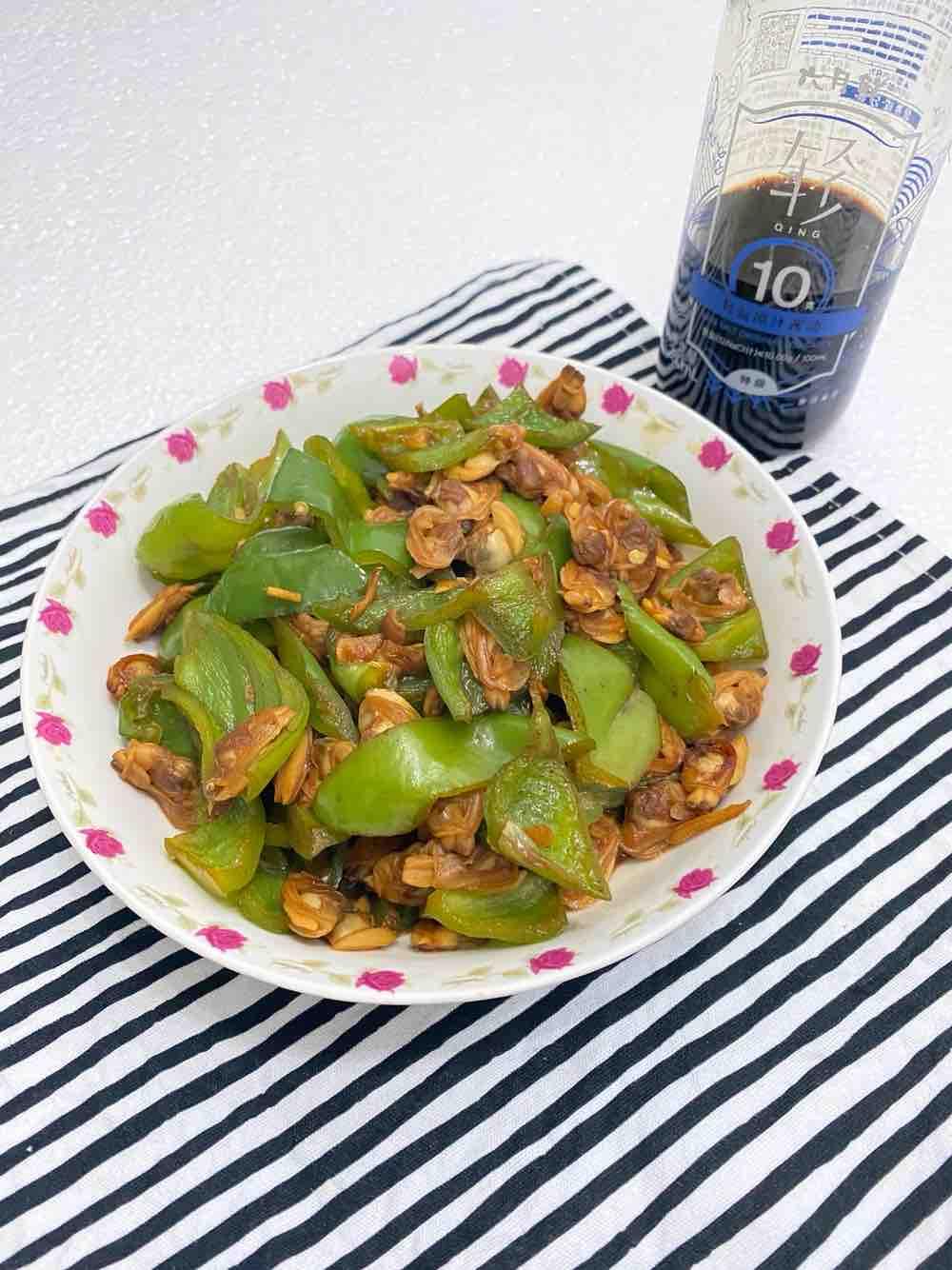 青椒炒花甲肉的做法