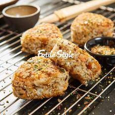 日式三文鱼烤饭团