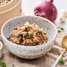 羽衣甘蓝牛肉糙米饭