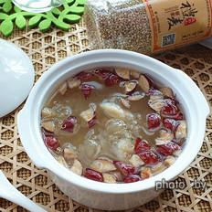 藜麦百合红枣银耳羹