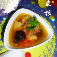 西红柿牛腩木耳土豆汤