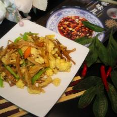 黄花菜炒鸡蛋