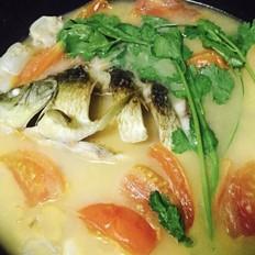 西红柿鲫鱼汤