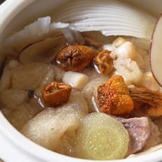 干贝竹荪鲨鱼骨排骨补钙汤