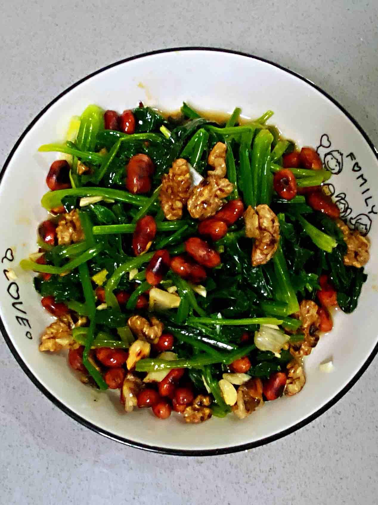 【孕妇食谱】坚果仁拌菠菜,补脑又益智,健康营养又美味~