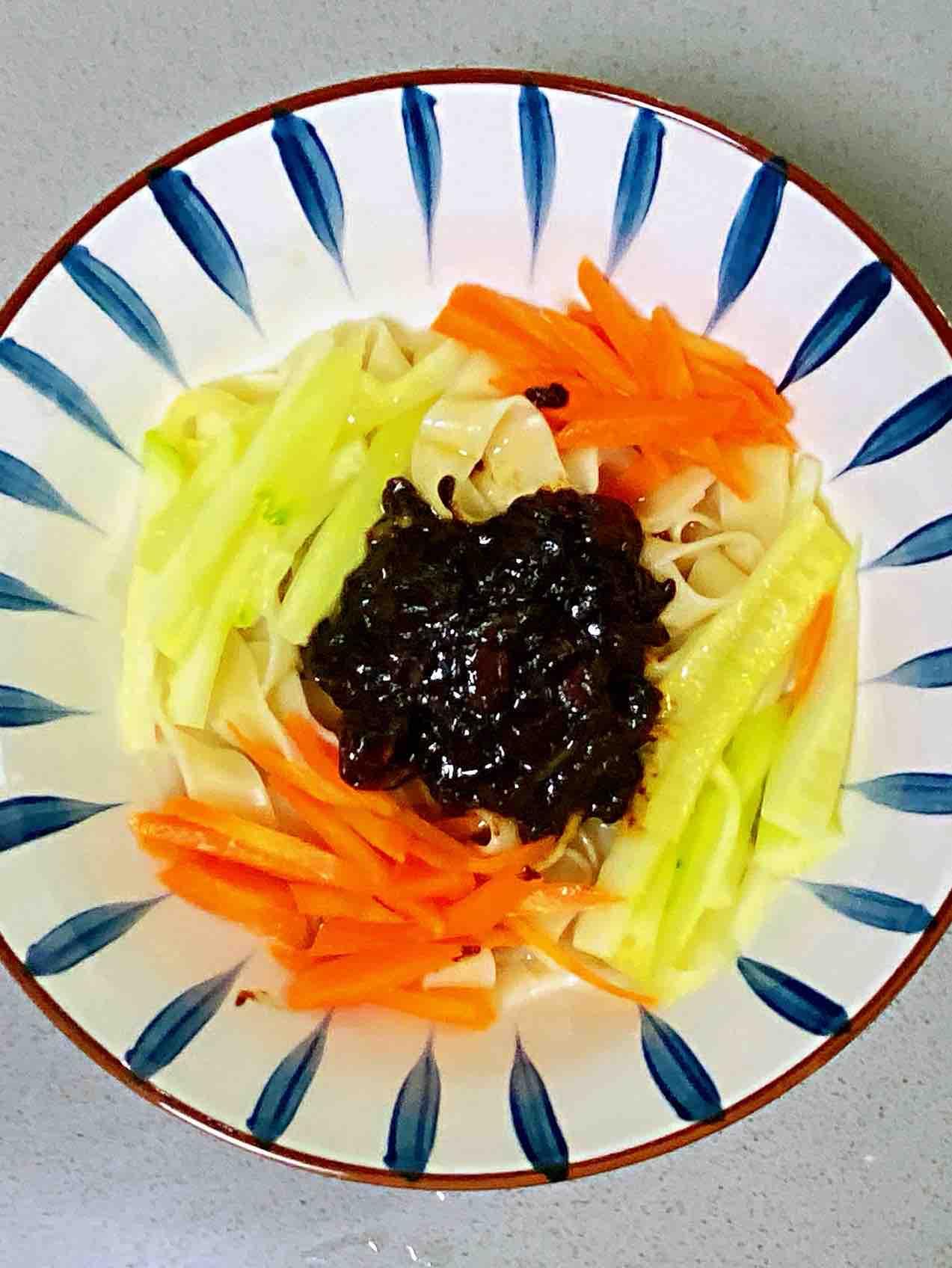 【孕妇食谱】老北京炸酱面,正宗不正宗,关键在炸酱~的做法