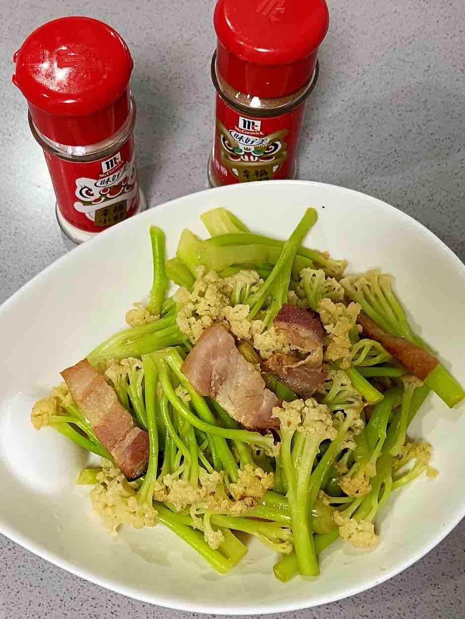干锅花菜,爽脆可口,健康又下饭~的做法
