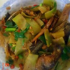 莴笋炒腊鱼