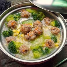 肉丸子杂蔬浓汤