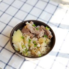酸菜炖排骨:酸爽解腻的东北大菜