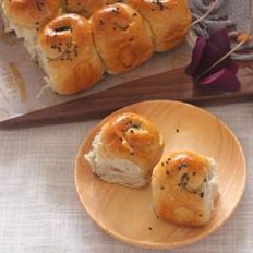 蜂蜜黑芝麻面包
