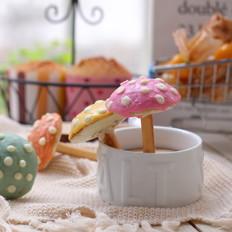 彩色小蘑菇蛋糕