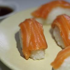 紫菜包饭,三文鱼寿司