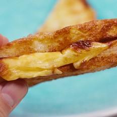 鸡蛋吐司三明治