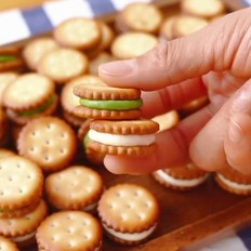 夹心小饼干