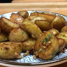 香香辣辣孜然小土豆,外层酥脆,内里沙软。