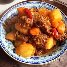 土豆胡萝卜炖牛腩