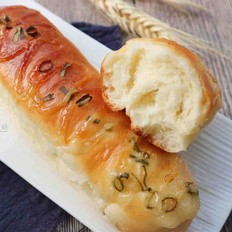 沙拉香葱面包