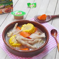 胡萝卜玉米鸡爪汤