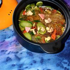 鸡肉粉丝砂锅煲