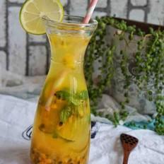 百香果青柠蜂蜜水