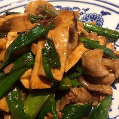 家常豆腐干炒肉
