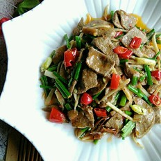 韭菜花炒猪肝