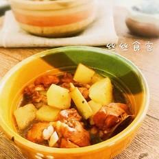 砂锅土豆焖鸡