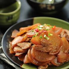 萝卜炒鸭脯肉