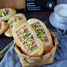 火腿沙拉面包