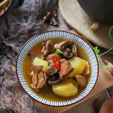 香菇土豆腊鸡煲