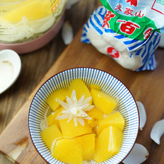 黄桃百合糖水
