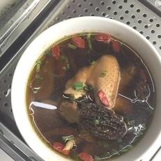 嫩姜羊肚菌油鸡汤