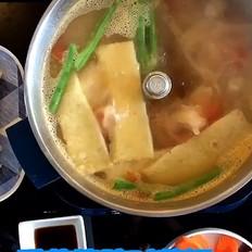 番茄猪蹄时蔬火锅