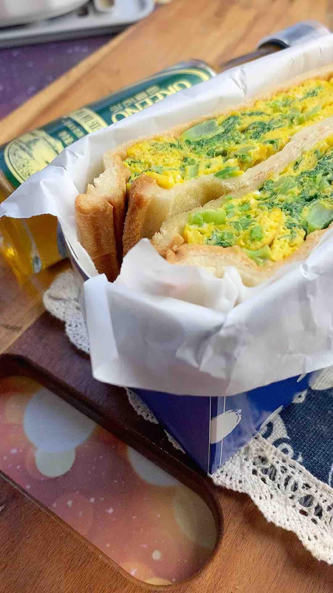 青菜鸡蛋三明治的做法