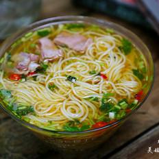 热汤面-----秋冬季来碗热汤面暖暖胃吧