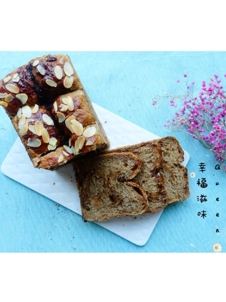 女性最佳补品级面包~黑糖果仁吐司