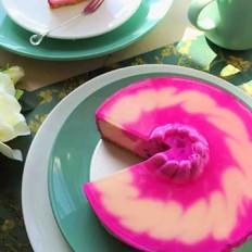如此妖艳一一红火龙果慕斯蛋糕