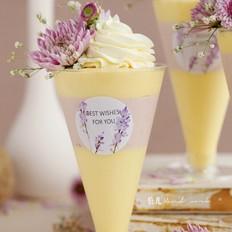 鲜花覆盆子芒果慕斯杯