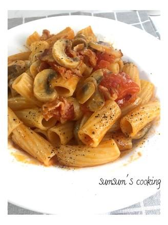 番茄蘑菇培根通心粉的做法