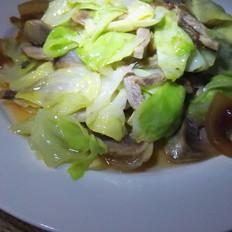 香肠咸肉炒包菜