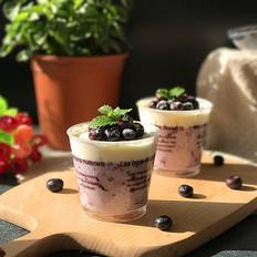 蓝莓酱奶油杯