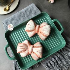 火龙果乳清蝴蝶结面包