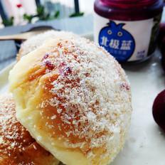 蓝莓果酱餐包