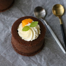 巧克力奶油杯子蛋糕的做法