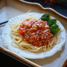 番茄肉酱意大利面
